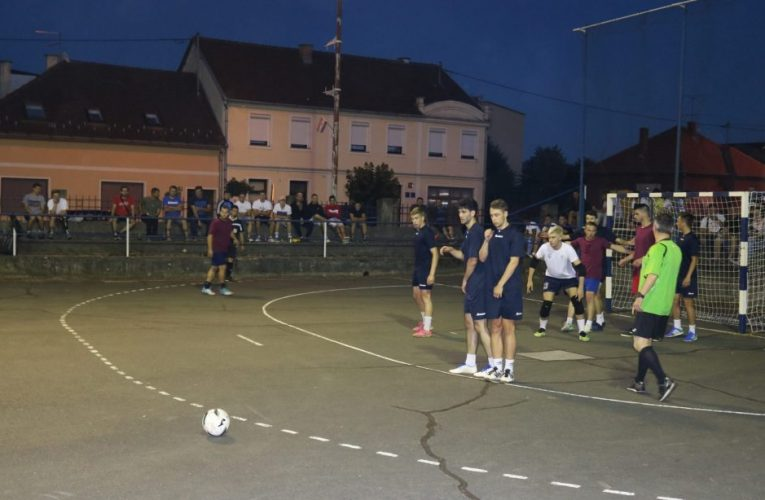 Pakračke ekipe love titulu protiv Garešničana